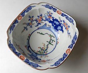 色絵牡丹桜花鳥文鉢